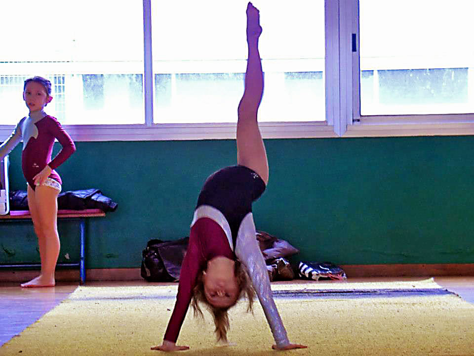 bambina-ginnasta-ginnastica-artistica-olimpia-gym-4