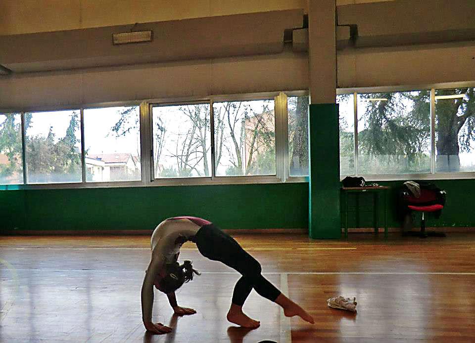 bambina-ginnasta-ginnastica-artistica-olimpia-gym-5