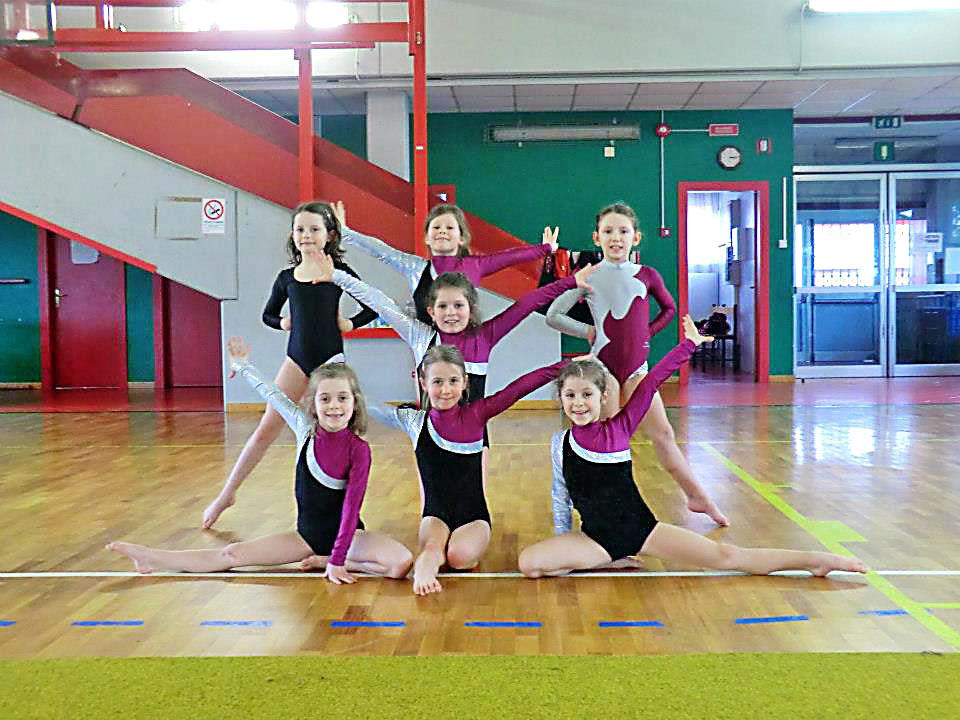 bambine-ginnaste-ginnastica-artistica-olimpia-gym-1